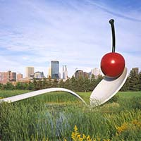 Photo of the Cherry and Spoonbridge statue at the Walker Art Center.