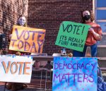 On Election Day Nov. 3, students tabled outside the Campus Center to answer questions and encourage voting. Photo by Julia Bintz '24.