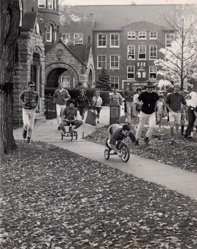 Trike race, 1965